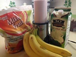 paleo banana berry smoothie