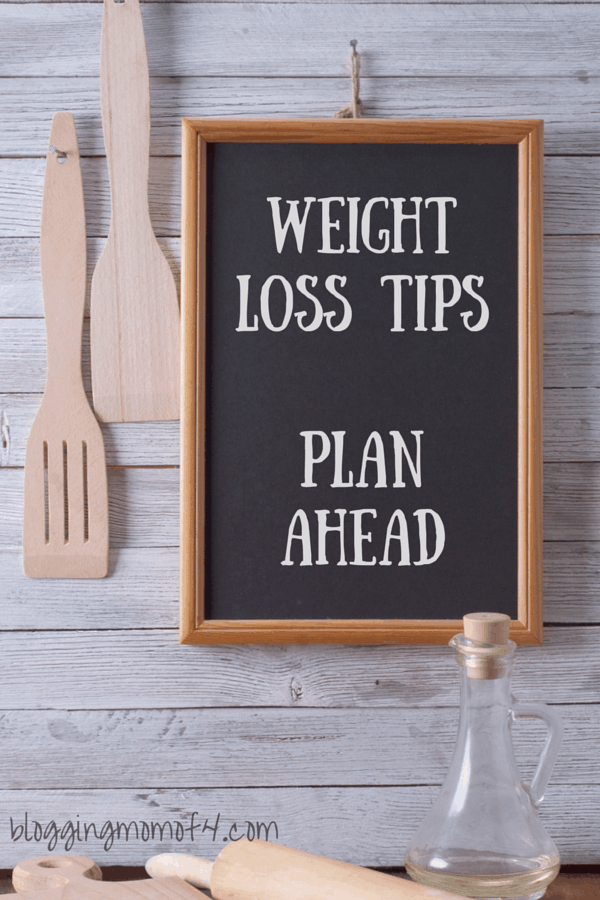 One of my biggest challenges to eating better is time. One of my weight loss tips to help with our busy schedules is to plan ahead.