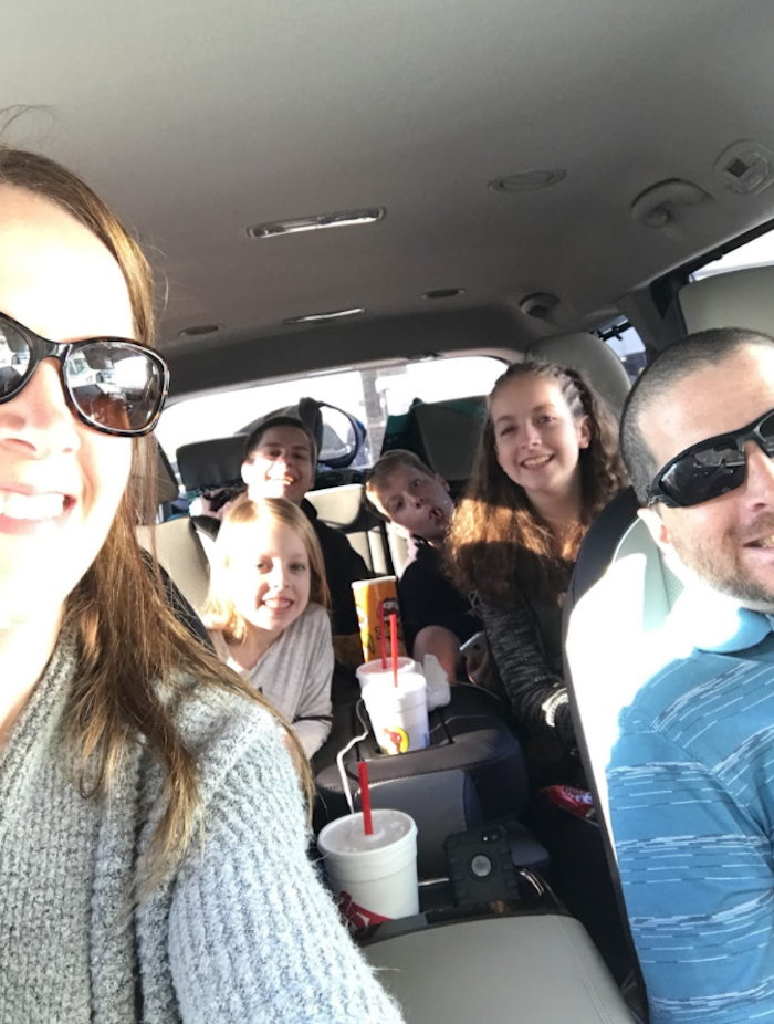Are you traveling for the holidays? Save on travel and take a roadtrip! You may actually enjoy the drive. #DiscoverKia #KiaSedona