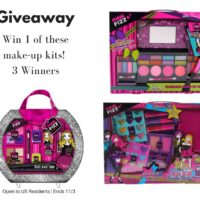 GIVEAWAY – Girls Make-Up Kits – 3 Winners! Make great gifts! Ends 11/3 #Holiday2017