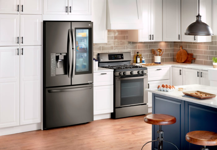 Are you ready for the cooking and baking that comes with this time of year? Maybe it's time for a Holiday Kitchen update w/ LG Appliances from @BestBuy!